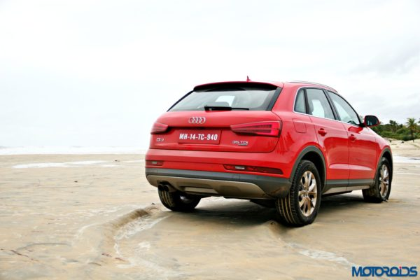 2015 Audi Q3 on the beach static images(117)