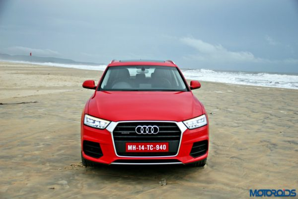 2015 Audi Q3 on the beach static images(123)