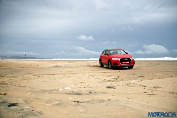 2015 Audi Q3 on the beach static images(125)