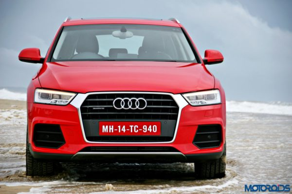 2015 Audi Q3 on the beach static images(127)