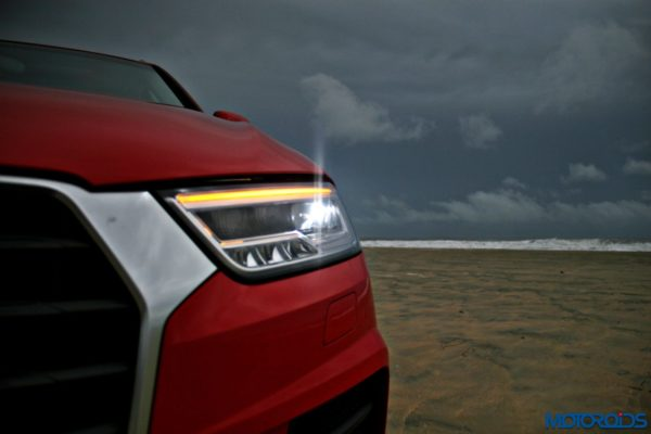 2015 Audi Q3 on the beach static images(133)
