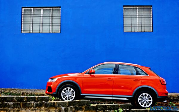 2015 Audi Q3 right side profile(5)