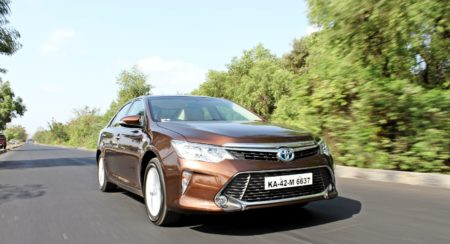 2015 Toyota Camry Hybrid India review