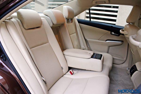 2015 Toyota Camry Hybrid back seats (1)