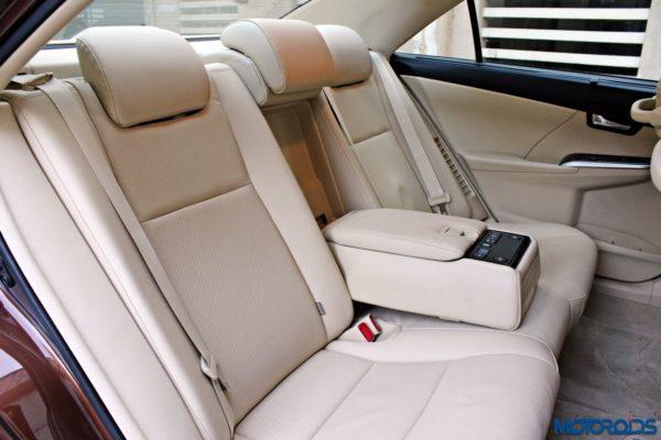 2015 Toyota Camry Hybrid back seats (2)