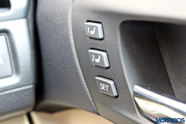2015 Toyota Camry Hybrid door panel (3)