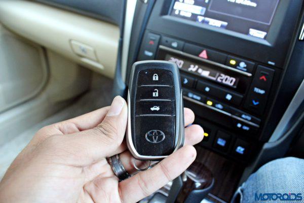 2015 Toyota Camry Hybrid ignition key