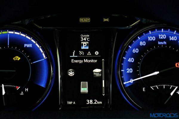 2015 Toyota Camry Hybrid instrument console (14)