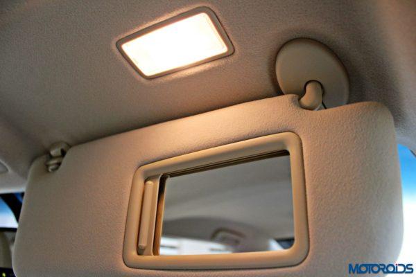 2015 Toyota Camry Hybrid interior (3)