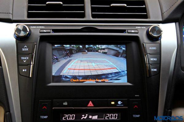 2015 Toyota Camry Hybrid rear view camera
