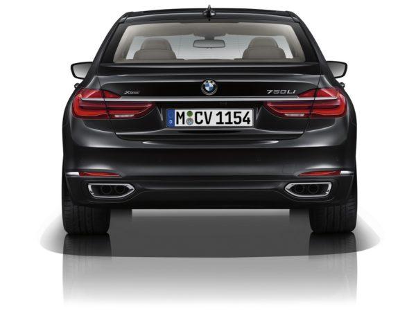 2016 BMW 7 Series (29)
