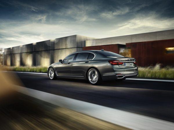 2016 BMW 7 Series (33)