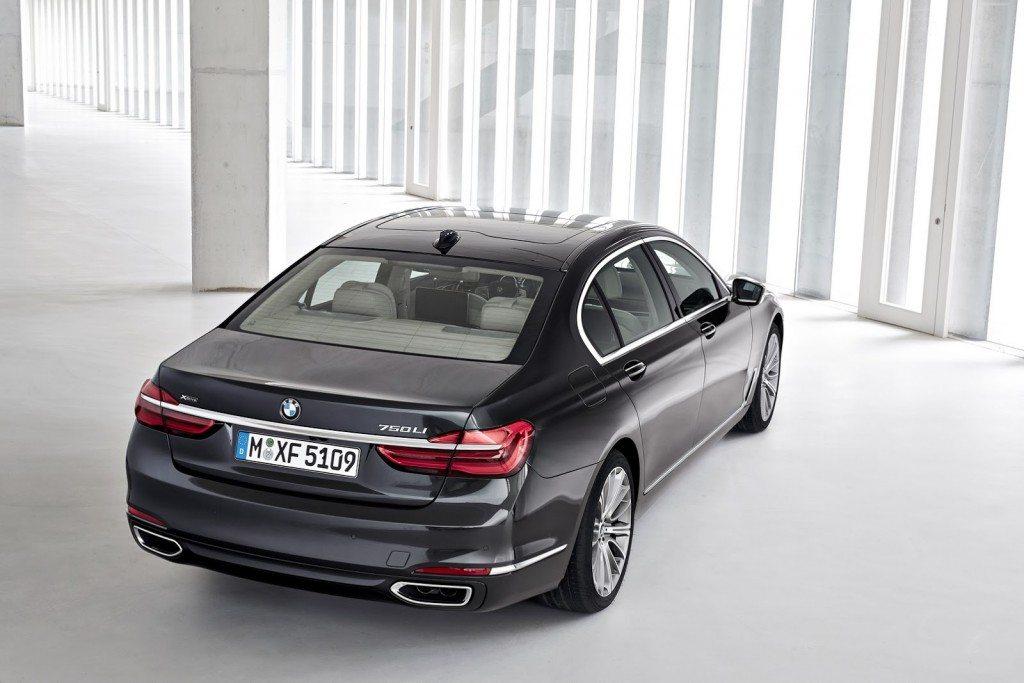 2016 BMW 7 Series (9)