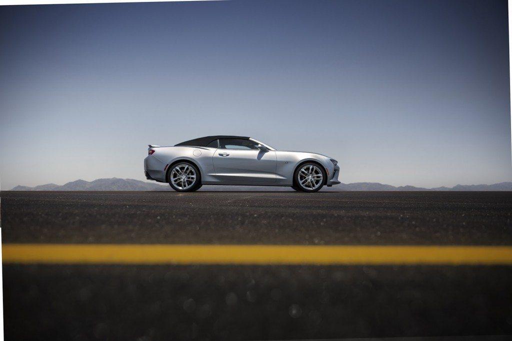 2016-Chevrolet-Camaro-Convertible-3-1024x683