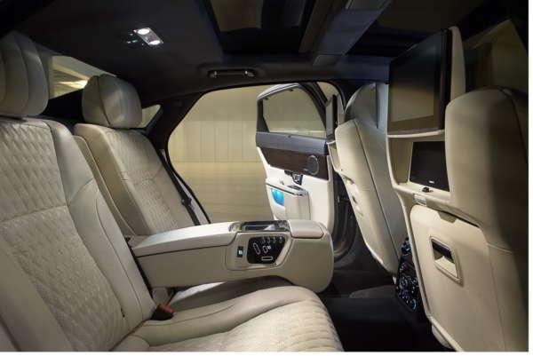 2016 Jaguar XJ (2)
