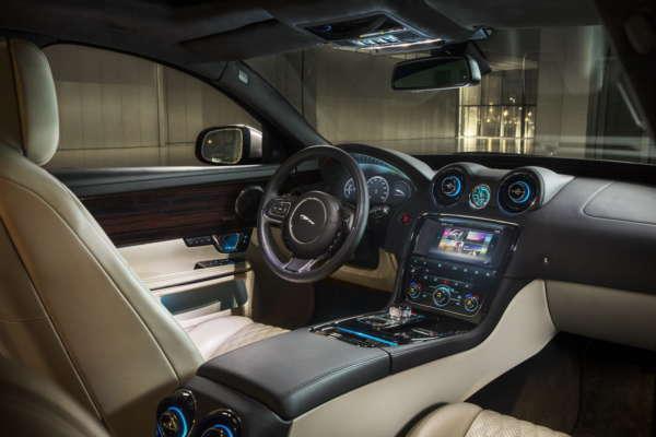2016 Jaguar XJ (3)