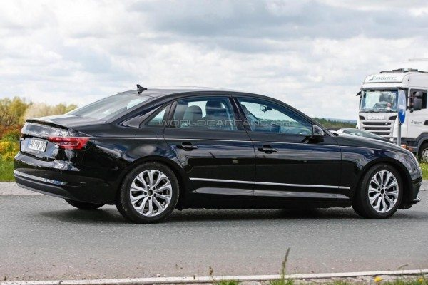2016 Audi A4 spied (4)