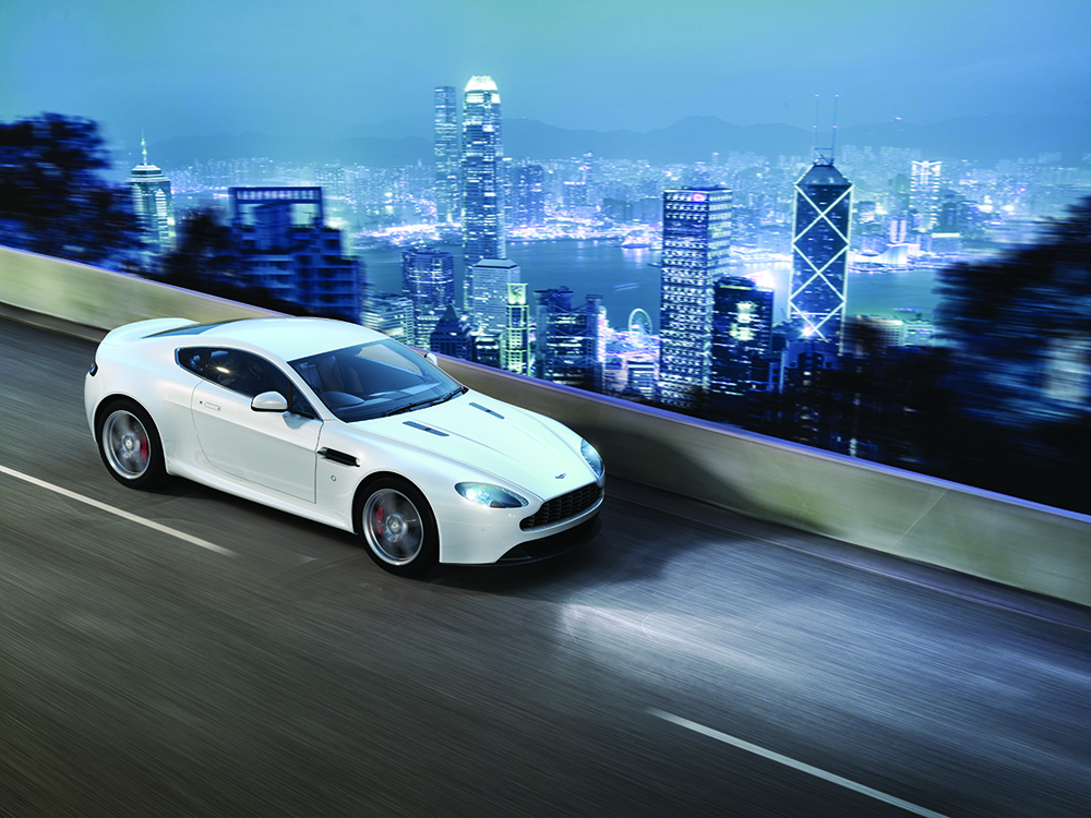 Aston Martin V8 Vantage (1)