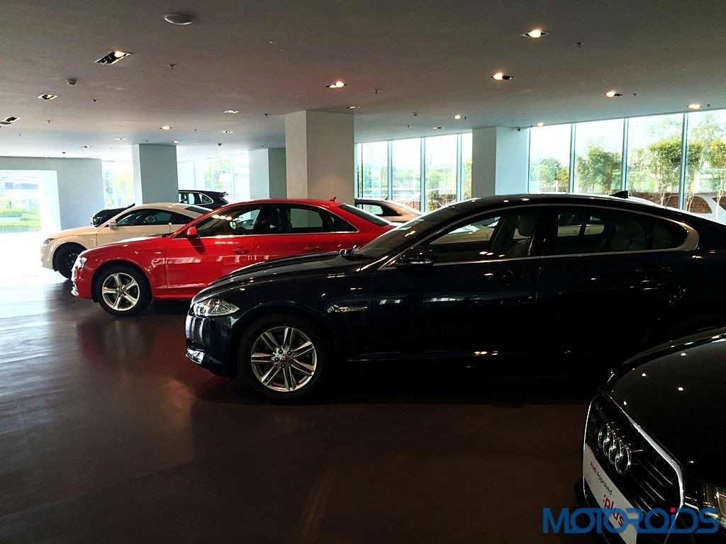 Audi Approved Plus; Jaguar XF (1)
