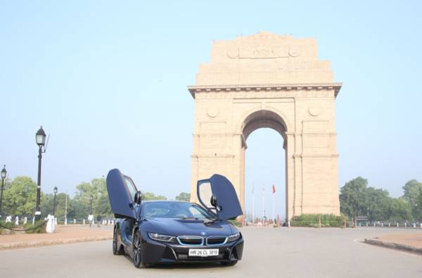 BMW i8 celebrates World Environment Day - Fame India Eco Drive (1)