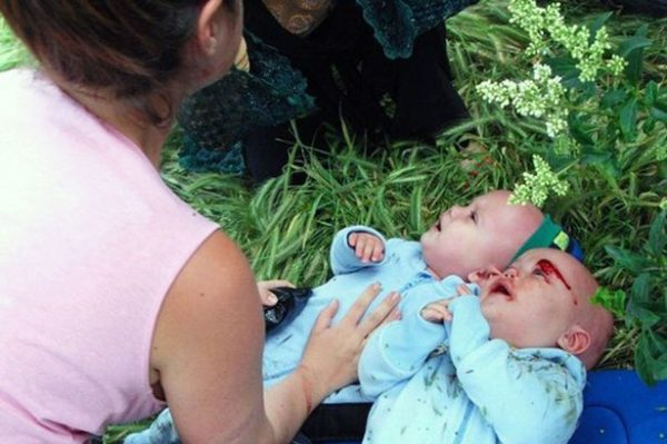 Baby Twins Survive Accident Caused Because of Drunk Driver - 1
