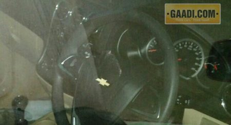 Chevrolet-Enjoy-Facelift-Interiors-Spied