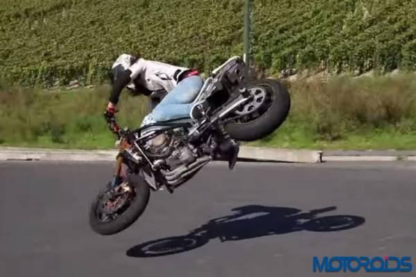 Crazy bike stunts Sarah Lezito (15)