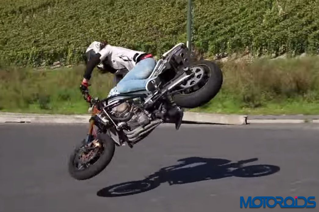 Motorcycle Safety Gear >> Stunt-a-licious: Female stunt rider so talented, she makes her motorcycle dance! | Motoroids