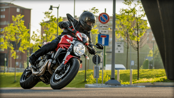Ducati Monster Stripe 821 (2)