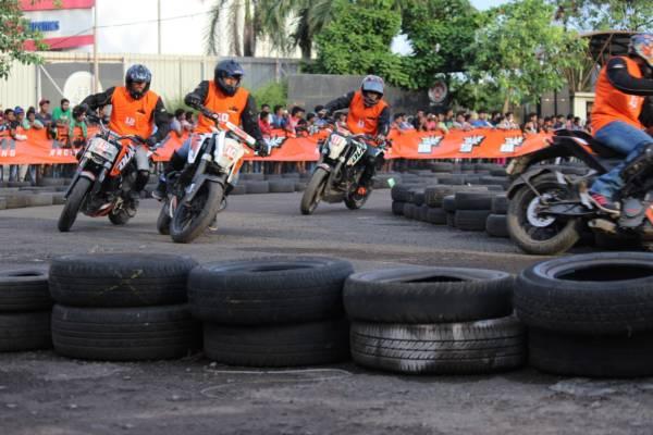 KTM Orange Day Mumbai (3)