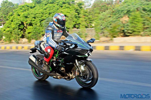 Kawasaki Ninja H2 - Ownership Review - Action Shots (44)