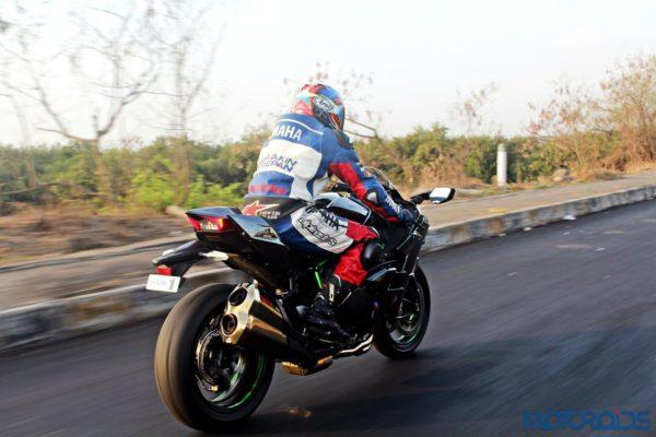 Kawasaki Ninja H2 - Ownership Review - Action Shots (5)