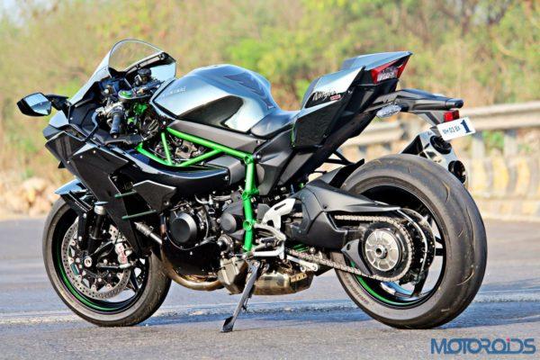 Kawasaki Ninja H2 - Ownership Review - Static Shots - Side (5)