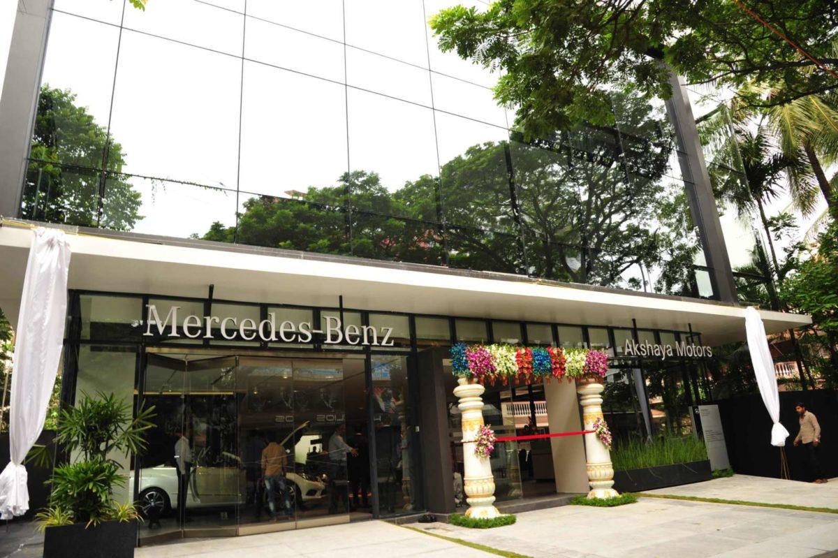Mercedes Benz inaugurates city showroom in Bengaluru (1)