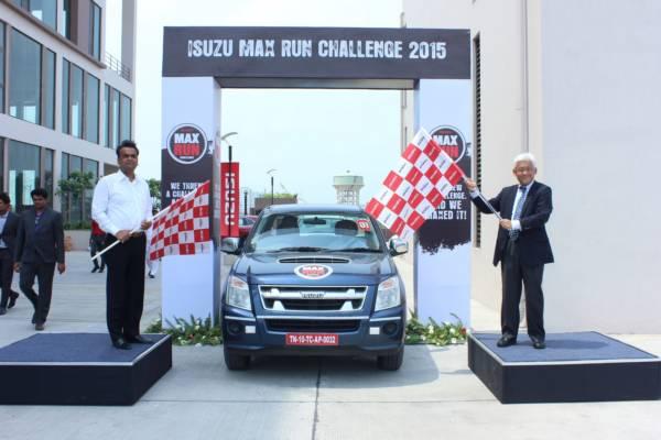 Mr. Shigeru Wakabayashi, Deputy Managing Director, Isuzu Motors India and Mr. Sandip Bajaj, Dealer Principal, MohanMotor ISUZU