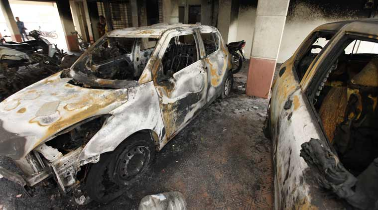 Unidentified vandal burns over 90 vehicles in Pune (3)