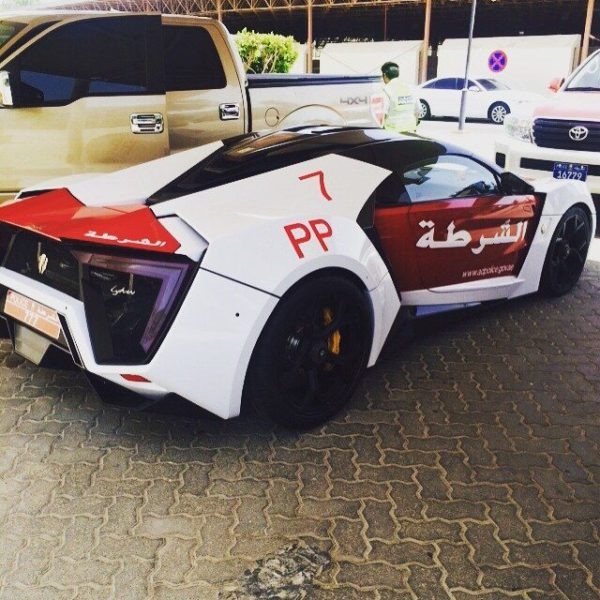 lykan-hypersport-joins-the-abu-dhabi-police-force-2