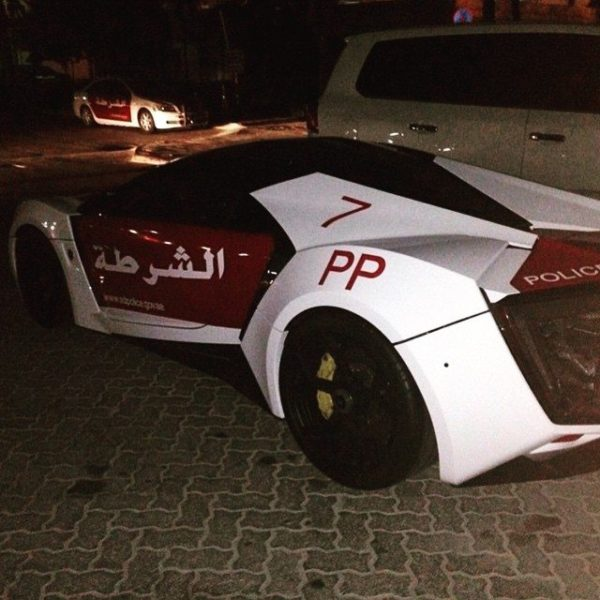 lykan-hypersport-joins-the-abu-dhabi-police-force-3