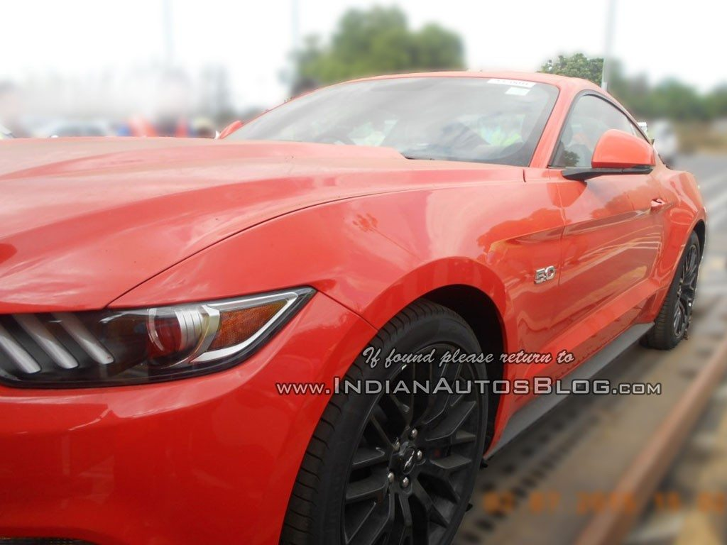 2015 Ford Mustang spied in India (1)