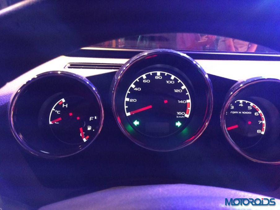 2015 Mahindra Thar CRDe instrument cluster (1)
