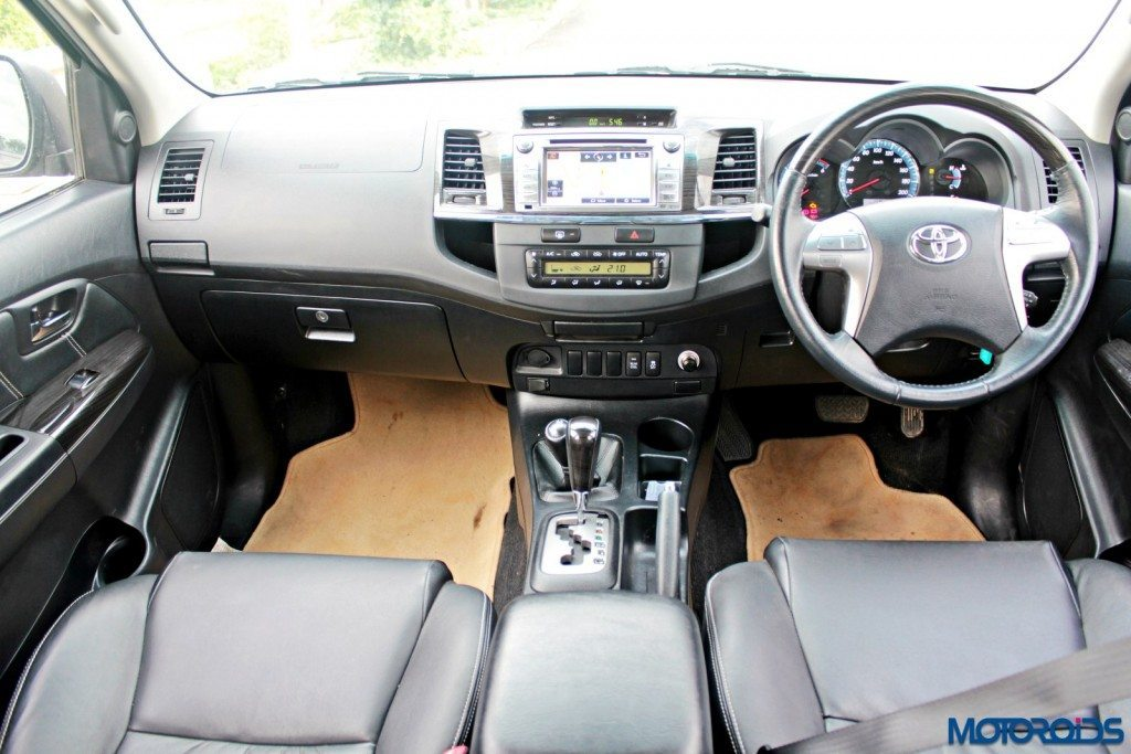 2015 Toyota Fortuner 3.0 4x4 AT dasboard