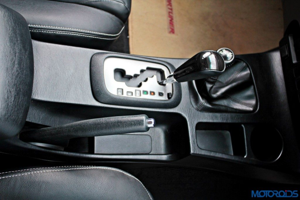 2015 Toyota Fortuner 3.0 4x4 AT interior (10)