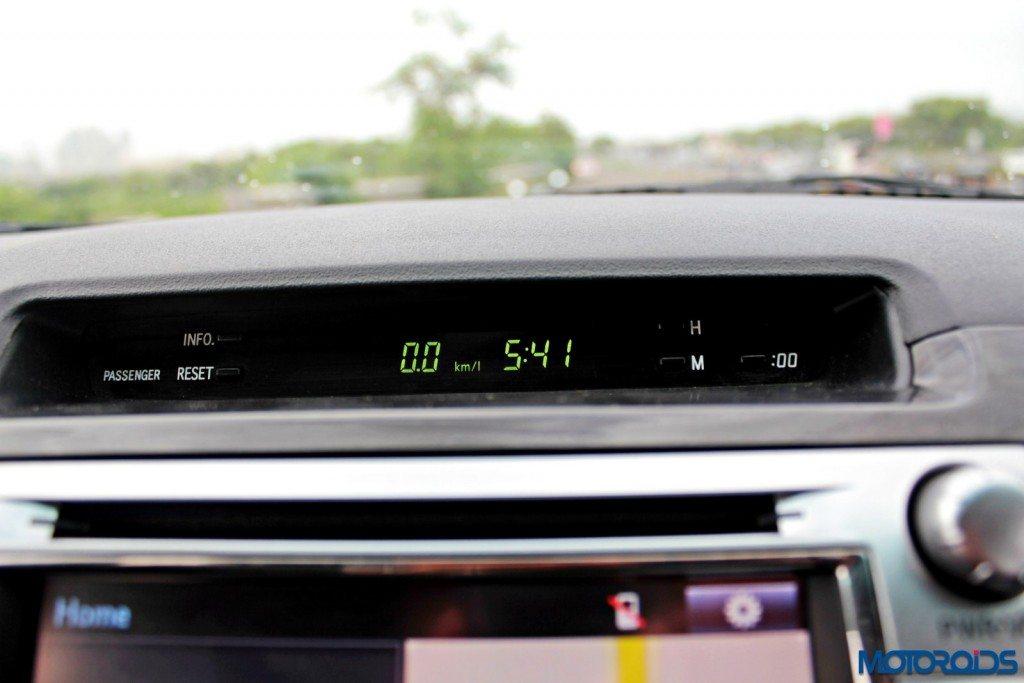 2015 Toyota Fortuner 3.0 4x4 AT interior (8)