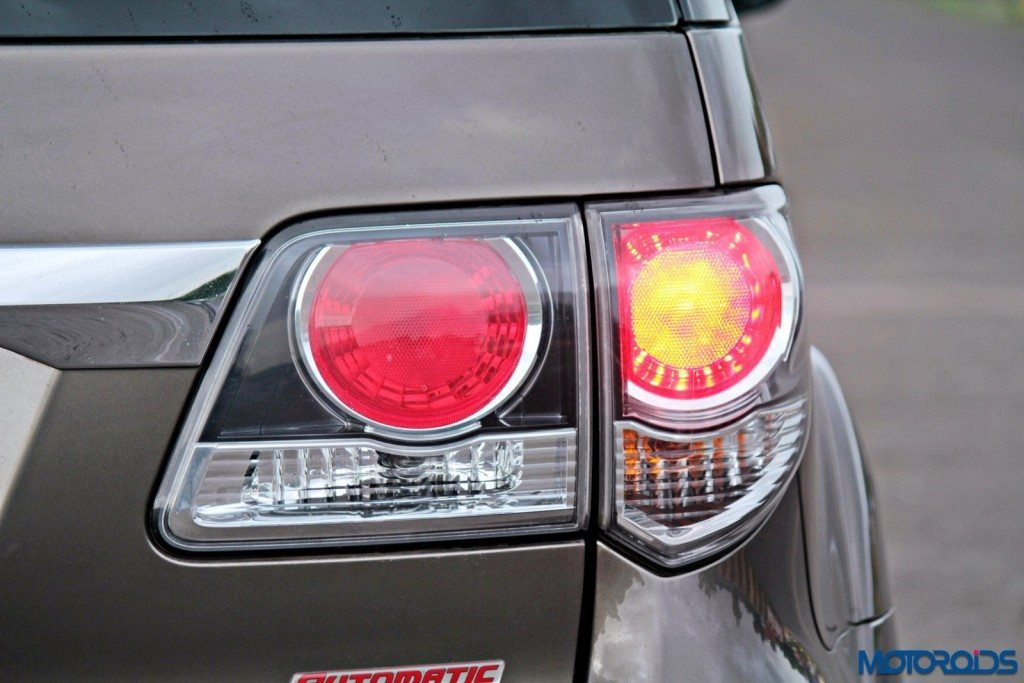 2015 Toyota Fortuner 3.0 4x4 AT tail-lamp