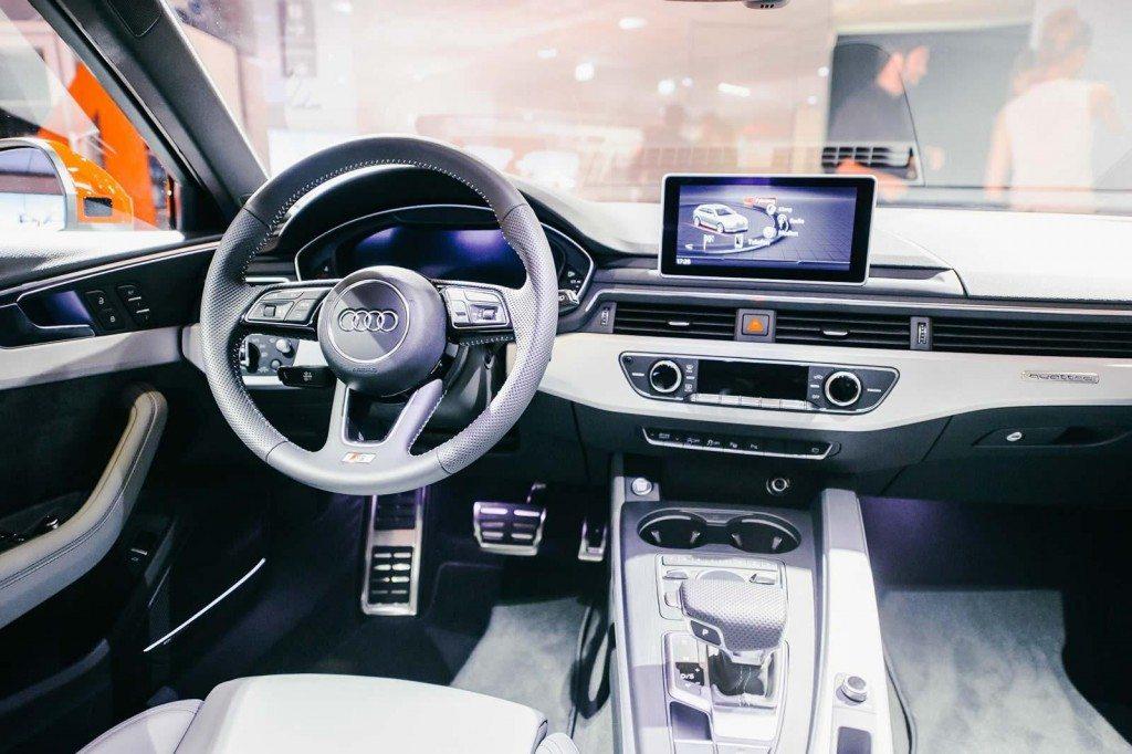 2016 Audi A4 Avant Interior