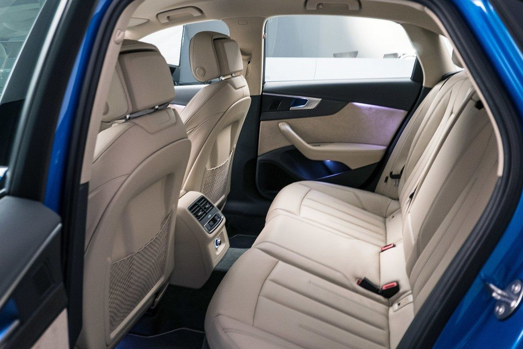 2016 Audi A4 Interior (2)