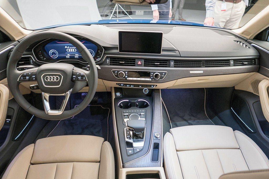 2016 Audi A4 Interior (3)