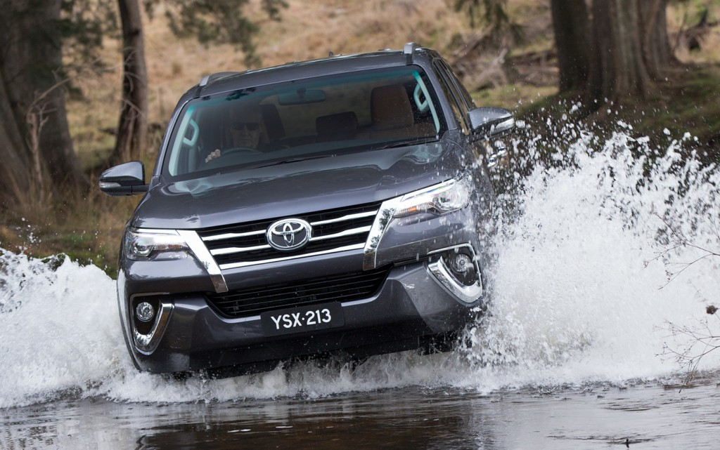 2016_toyota_fortuner_global-reveal_australia_04