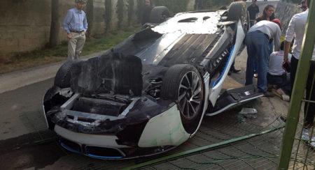 BMW-i8-Crash-10