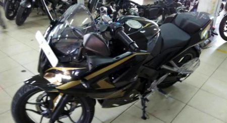 Bajaj Pulsar RS200 Black & Golden